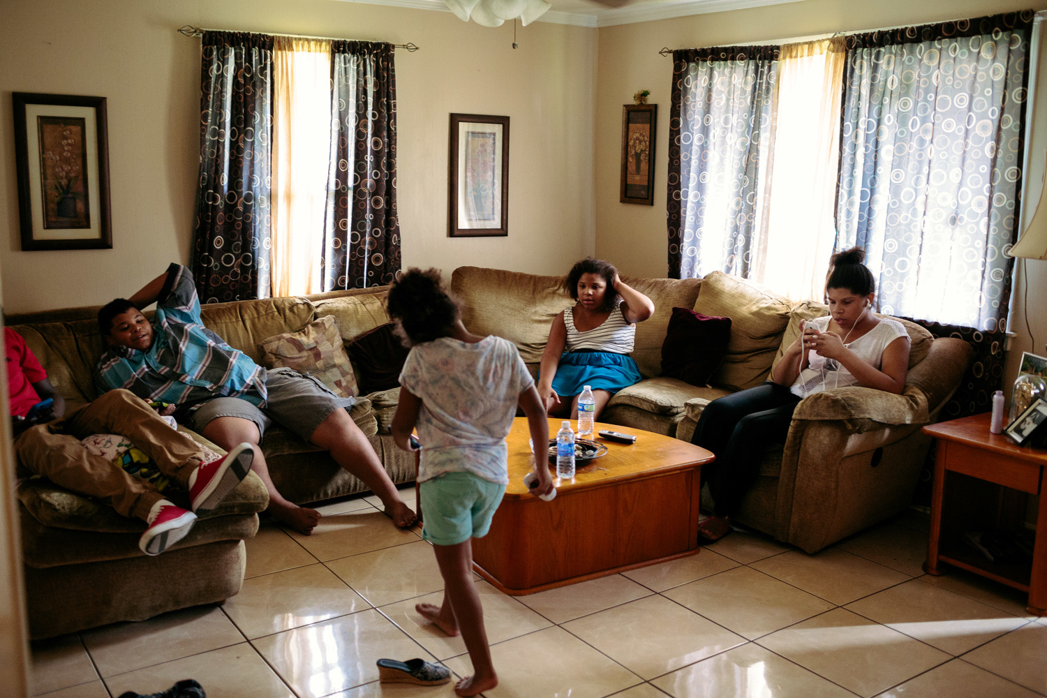 Upper middle class living room - A Neighborhood Comprised Mostly Of Upper Middle Class White Families Where Some Of The Worst Flooding Occurred In The Days After Hurricane Katrina Made